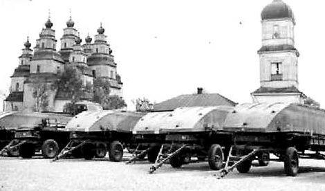 Понтоны для моста. Восточный фронт, 1941 г.