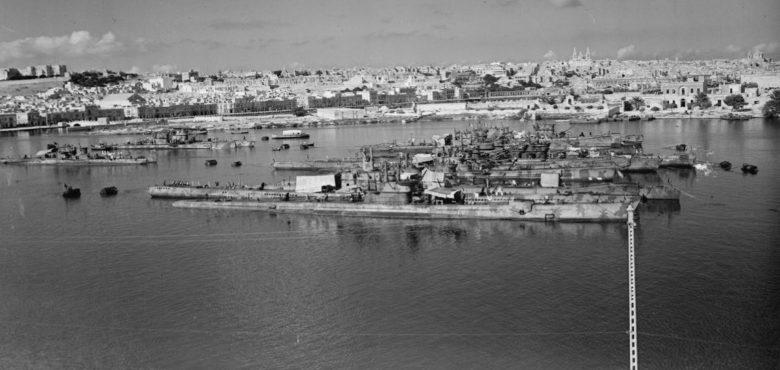 Итальянские подлодки в гавани Мальты. Октябрь 1943 г.