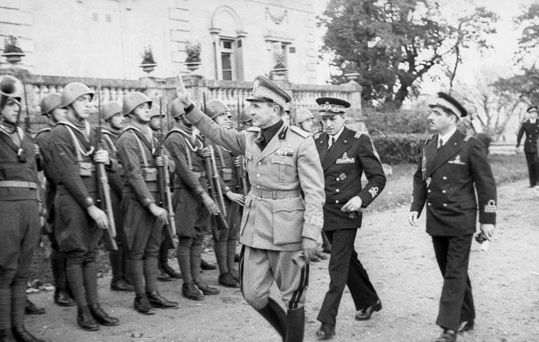 Итальянские войска в оккупированной Франции. 1942 г.