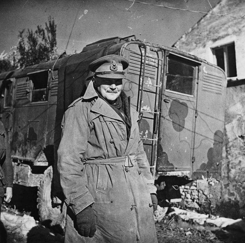 Командующий новозеландским корпусом генерал-лейтенант Бернард Фрейберг в Кассино. Январь 1944 г.