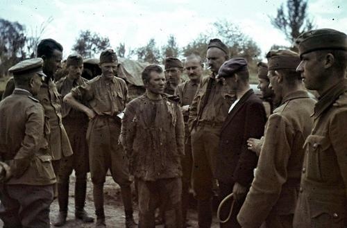 Допрос советского военнопленного. Май 1942 г.