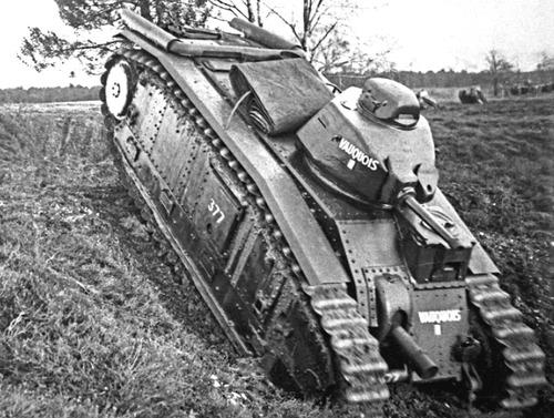 Танки «Char B1» на поле боя. Июнь 1940 г.