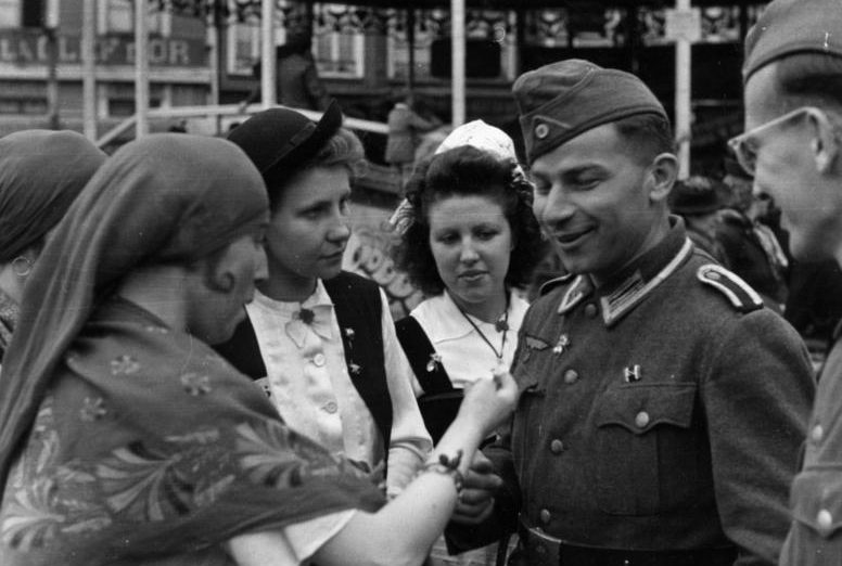 Немецкие войска во Франции. 1942 г.