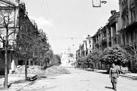 Венгерский солдат в Киеве. 1942 г.
