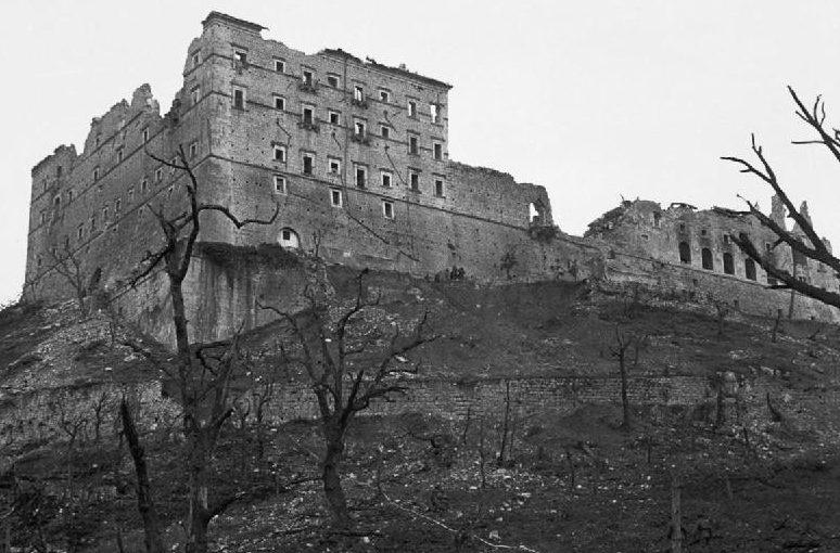 Монте-Кассино в руинах. Февраль 1944 г.