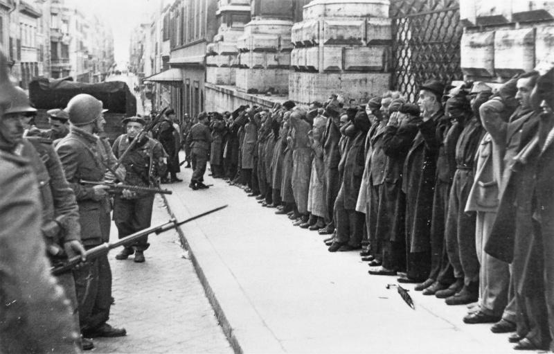 Заложники, арестованные немецкой и итальянской полицией в Риме. 24 марта 1944 г.