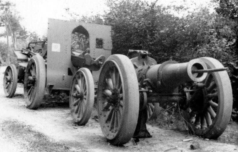 Брошенная французская 220-мм мортира. Июнь 1940 г.