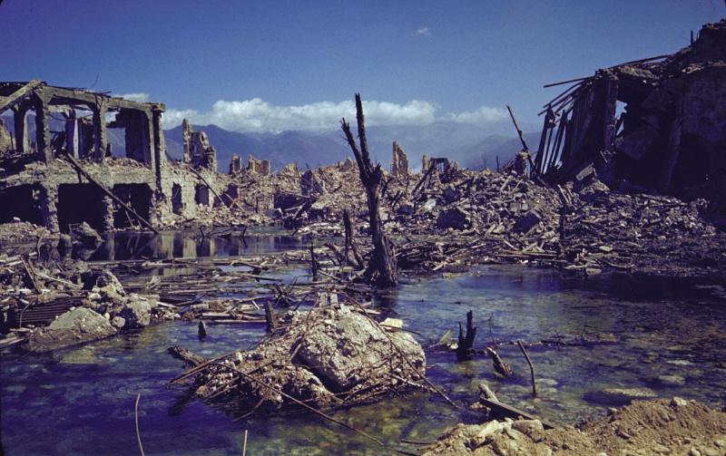 Панорама разрушенного итальянского города Кассино после взятия союзниками. Май 1944 г.