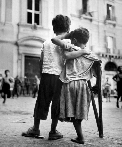 Мальчишки Неаполя. Июнь 1944 г.
