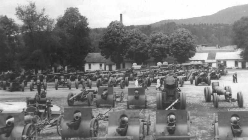 Артиллерийские орудия, захваченные немецкими войсками. Июнь 1940 г.