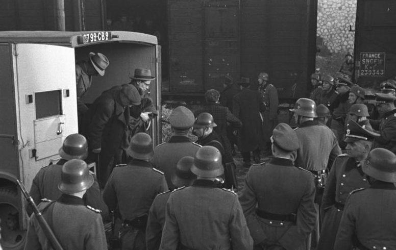 Депортация евреев из Марселя. 1943 г.