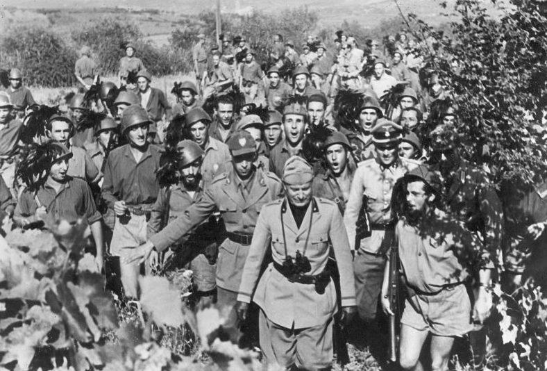 Бенито Муссолини на Адриатическом фронте. 1944 г.