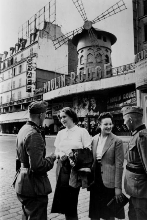 Улицы Парижа. Июнь 1940 г.