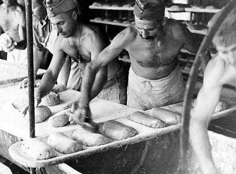 Полевая пекарня 2-й венгерской армии у реки Дон. Сентябрь 1942 г.
