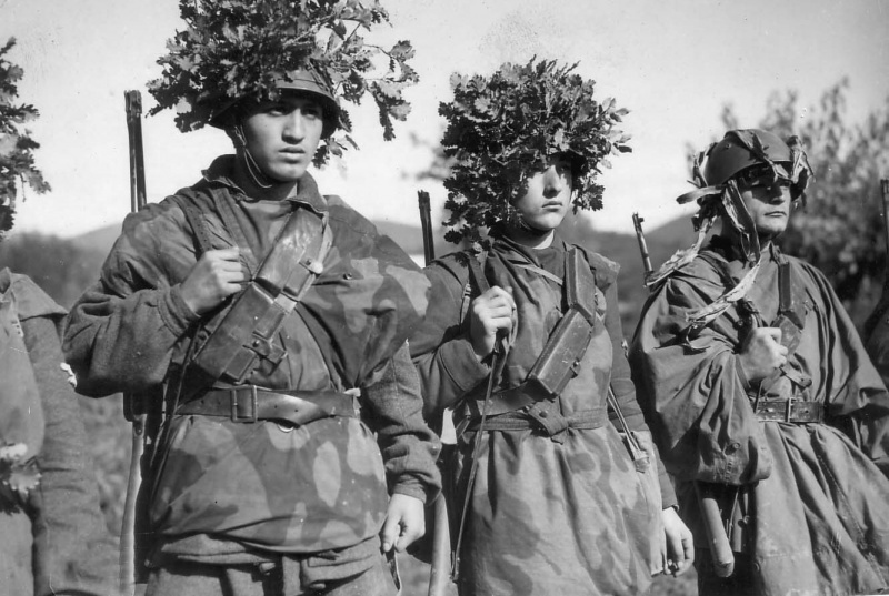 Солдаты итальянского легиона СС. 1944 г.