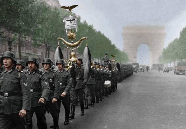 Парад немецких войск в захваченном Париже. Июнь 1940 г.