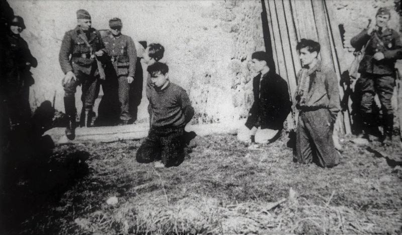 Схваченные французские партизаны перед казнью в Сент-Эжене. 28 марта 1944 г.