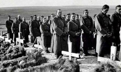 Похороны венгерских солдат на берегу Дона. Сентябрь 1942 г.