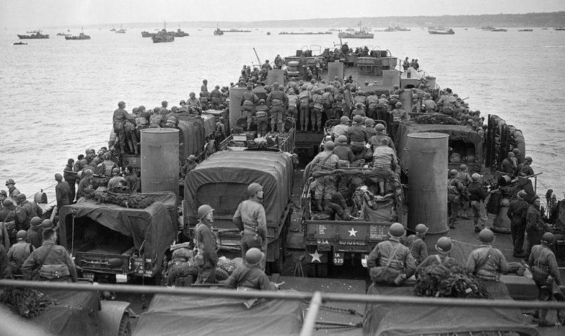 Американские войска на пути к высадке в Нормандии. 6 июня 1944 г.