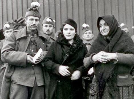 Отправка пополнения на Донской фронт. Тата, 1942 г.