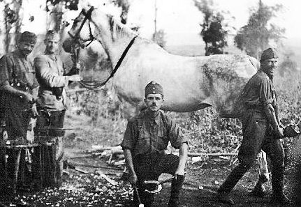 Кузнецы кавалерийского подразделения. 1942 г.