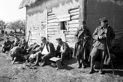 Раненые венгерские солдаты на Восточном фронте. 1942 г.