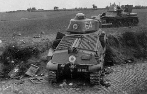 Брошенные французские танки - Hotchkiss H35 и Somua S35. 1940 г.