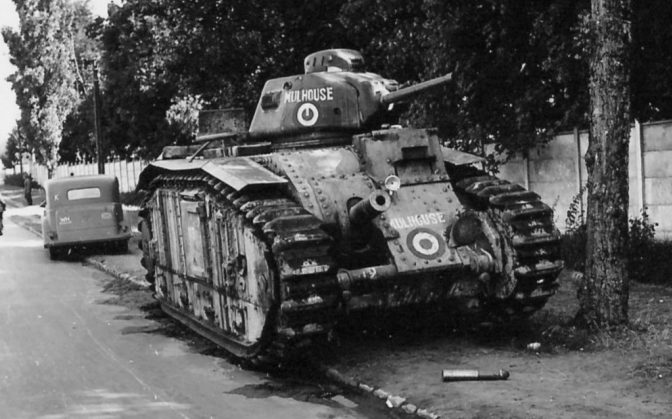 Брошенные французские танки Char B1-bis. 1940 г.