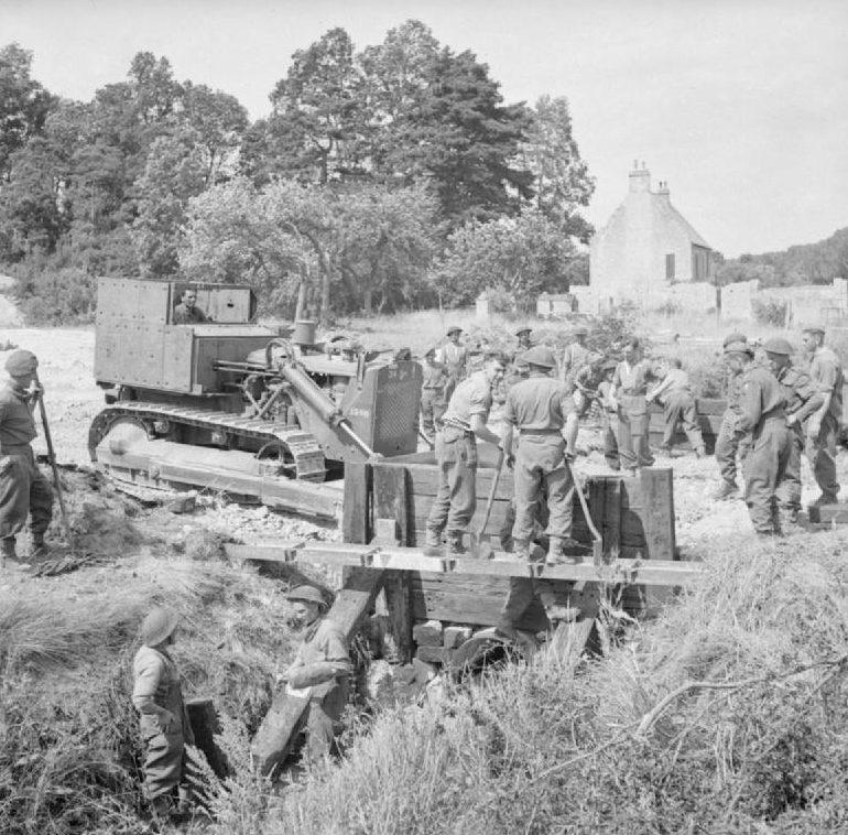 Устройство британцами моста. 28 июня 1944 г.