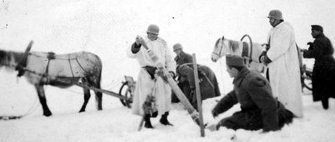 Венгерские солдаты зимой на Восточном фронте. 1943 г.