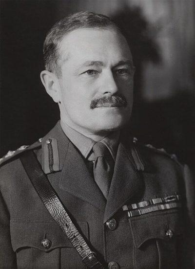 Генерал-лейтенант Томас Хаттон.