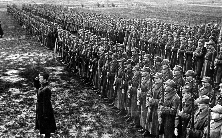 «Армия Андерса» перед убытием из России на помощь англичанам. 1942 год.