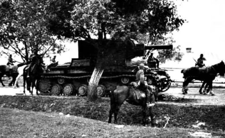 Немецкие войска в пригороде. Июнь 1941 г.