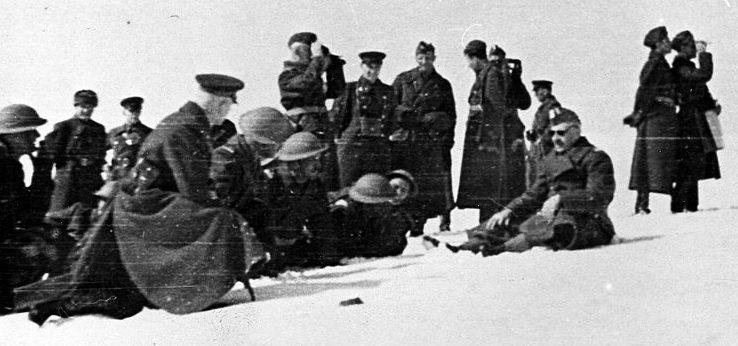Советские командиры и польские офицеры на учениях. 1941 г.