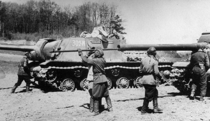 Советские САУ после боя. Август 1942 г.