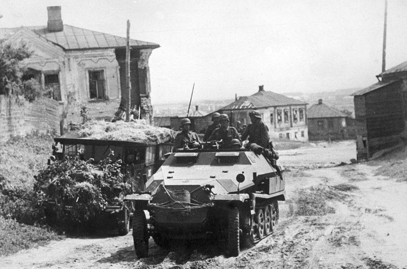 Немецкие войска в пригороде Воронежа.
