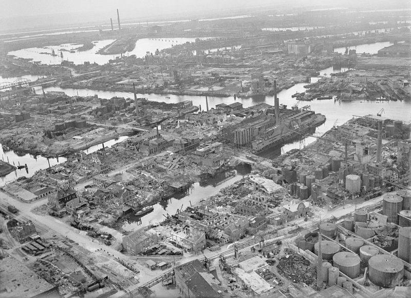 Гамбург после бомбардировок.