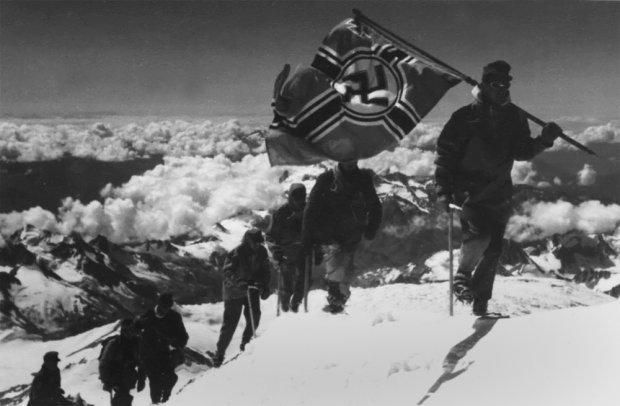 Фото с третьего восхождения на Эльбрус.