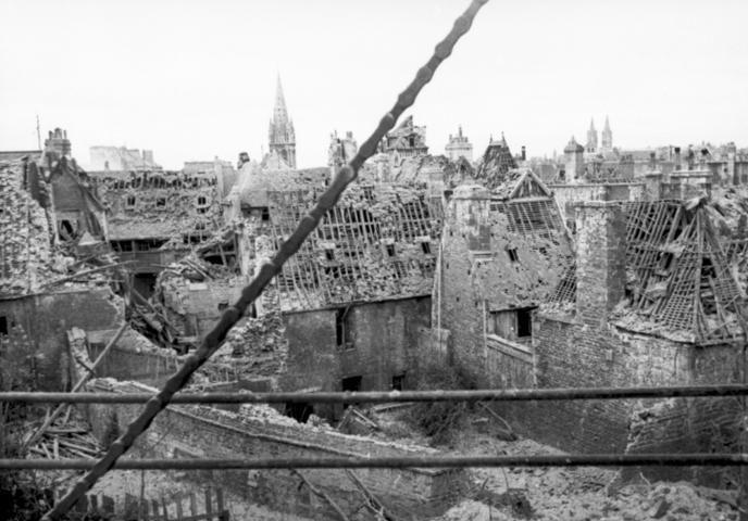 Разрушения в Кане. 10 июля 1944 г.