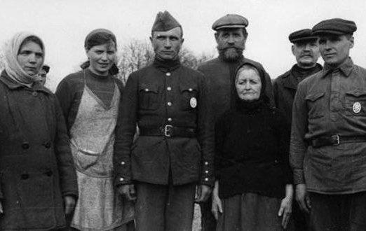 Семья в Локотской «республике».