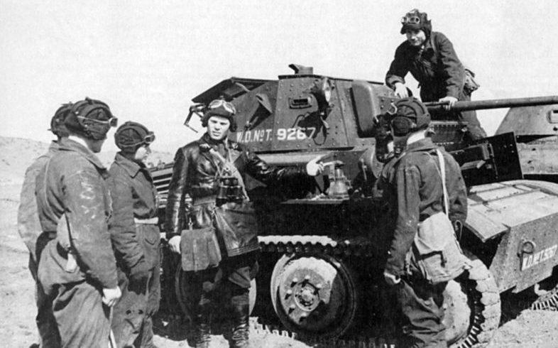 Советские танкисты и «Тетрарх» Mk VII у Нальчика. 1942 г.