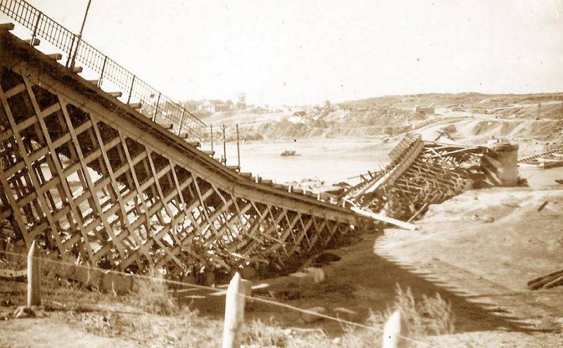Разрушенный Бендеровский мост. 1941 г.