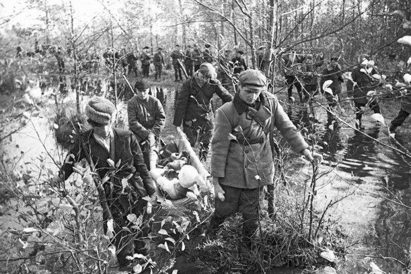 Партизаны после боевой операции.