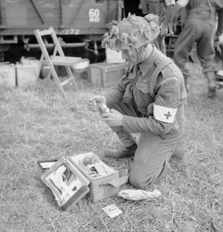 Санитар у Эвреси. 16 июля 1944 г.