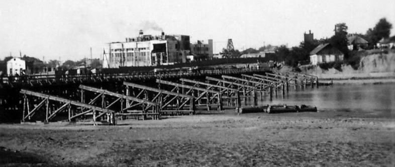 Мост через Кубань в районе КРЭС. 1942 г.