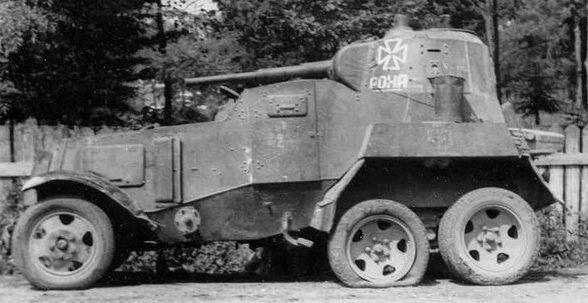 Бронеавтомобиль БА-10, состоявший на вооружении РОНА.