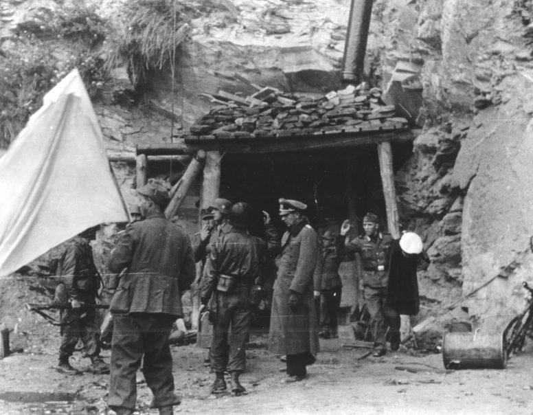 Капитуляция немецких войск во французском городе Шербур. 26 июня 1944 г.