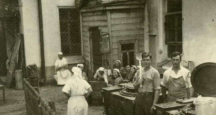 Кухня немецкого госпиталя. 1942 г.