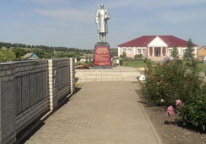 с. Жуково Алексеевского городского округа. Памятник по улице Центральная 67/2, установленный на братской могиле, в которой похоронено 25 советских воинов, в т.ч. 24 неизвестных, погибших в 1943 году.