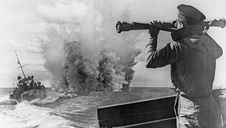 Бой на море у Туапсе. 1942 г.